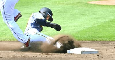 阪神・ドラ6中野 交流戦盗塁王有力!観戦父母の前で2安打2打点1盗塁