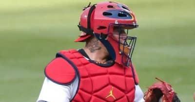 "【MLB】「正真正銘、完璧な送球」38歳レジェンドの""膝付きバズーカ""に球宴捕手も興奮"