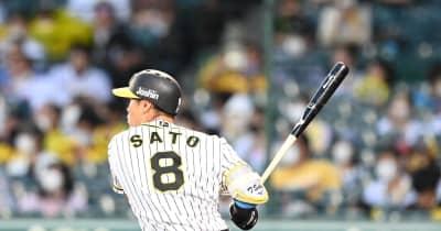 佐藤輝が口火 阪神、二回に二塁打4本で3点先制