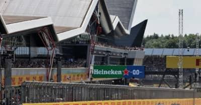 フェルスタッペン、ハミルトンとの接触でバリアにクラッシュ。レースは赤旗中断に/F1イギリスGP決勝