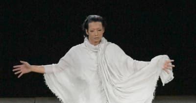 五輪開会式中に異例の黙祷20秒間「愛する人々思い出す追悼の場に」森山未來が舞