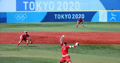 ソフトボール 銀メダル以上確定!主将山田の一本でカナダにサヨナラ勝ち!先発上野はバットへし折る珍事も【五輪ソフトボール】