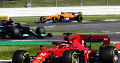 【F1第10戦無線レビュー(2)】首位走行中のルクレールにトラブル発生「エンジンが止まった。どうなってるの?」