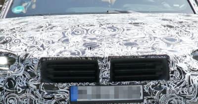 BMW M2クーペ 新型、登場は2022年末か? 専用キドニーグリルを激写