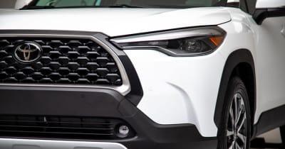 トヨタ 新型カローラクロスの内装に注目! 左右独立式エアコンや後席の快適性など、大ヒット間違いなしのデキ