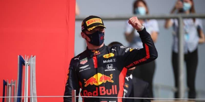 レッドブル・ホンダが戦略でメルセデス勢を逆転。フェルスタッペンが今季初優勝【決勝詳報/F170周年記念GP】