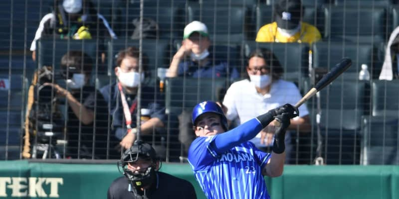 DeNA・オースティン、負傷以来の甲子園で豪快弾 日本語で歓喜「ヤッター!」
