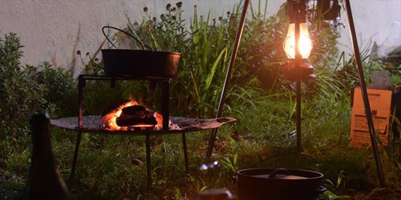 秋冬キャンプは焚き火がアツい! 防寒&調理と男のロマンを満喫しよう【アウトドア焚き火台】