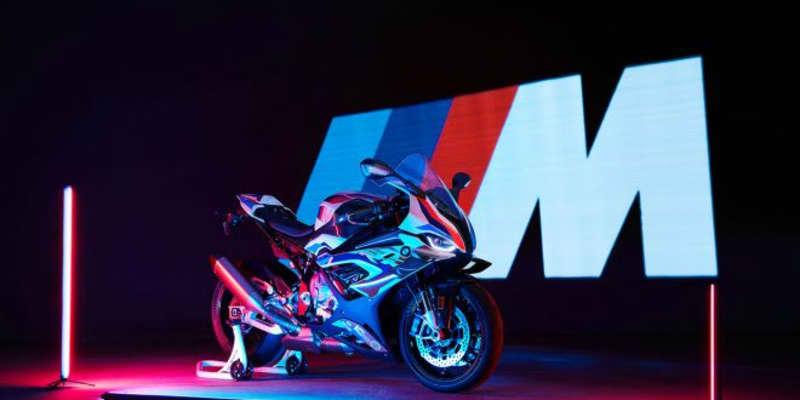 BMWのバイクにMモデルが初登場。多数のレーシングテクノロジーを導入した『M1000RR』を公開