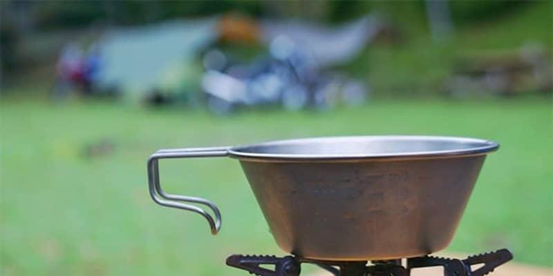 ソロキャンプの夜は火が重要! 実用性だけじゃない焚き火台の選び方とは【アウトドア焚き火台】