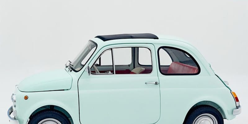 この見た目でEVだと!? 博物館が旧車をレストアしたフィアット 500のEVを販売開始