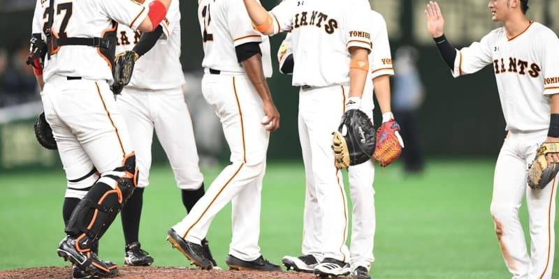 巨人が5連勝 阪神敗れM26 先制直後に逆転、岡本23号3ランで突き放す