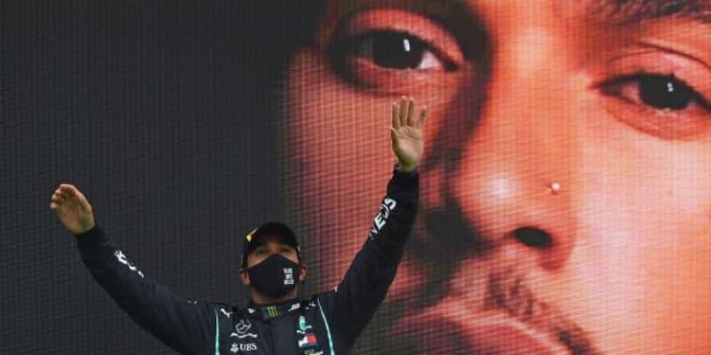 ハミルトン、痛みに耐えながら最多勝記録更新「92勝までたどり着けたのはこのチームのおかげ」メルセデス【F1第12戦】