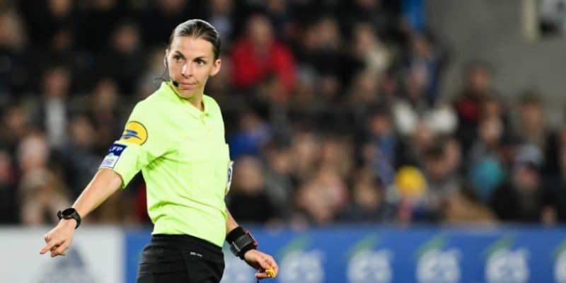 史上初!UEFAチャンピオンズリーグ、初めて女性審判が主審を担当