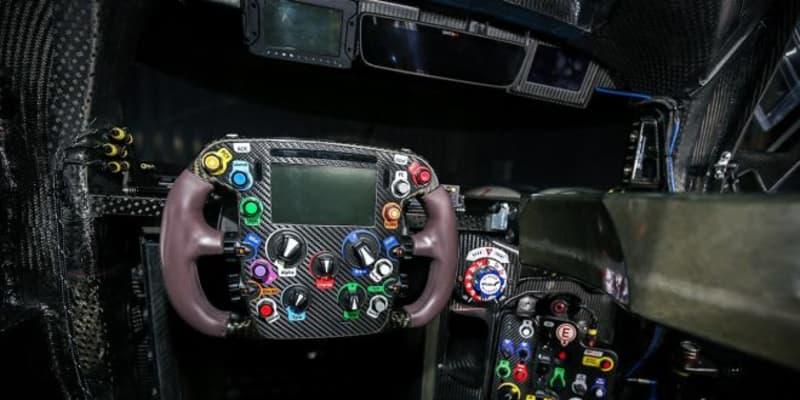 "【GR010ディテールウォッチ1】ドライバーの""仕事場""コクピット解剖。TS050にはなかったダイヤルも"
