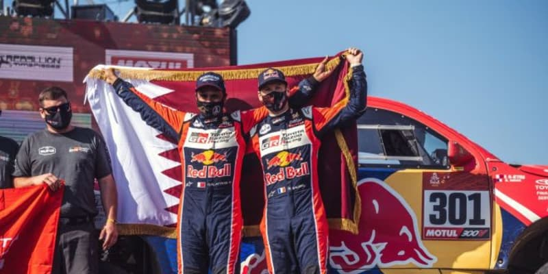 ダカールラリー:トヨタ、アル-アティヤが総合2位。3台のハイラックスが完走果たす