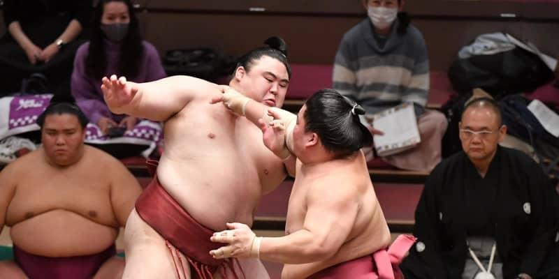 大栄翔が唯一の無傷7連勝 隆の勝下し役力士に全勝で勝ち越し王手