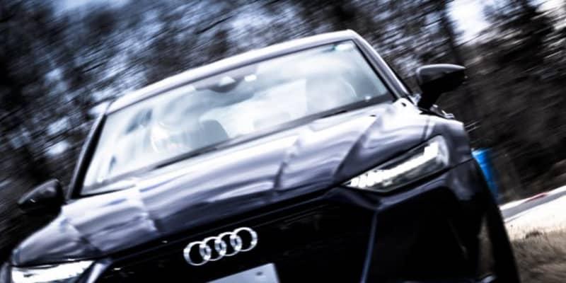アウディRSをライカで撮影した写真展を2月26日から開催。元F1ドライバー中野信治をドライバーに起用した作品も展示