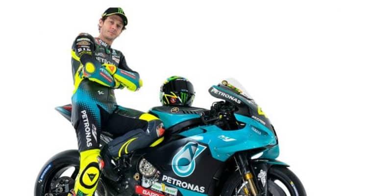 ペトロナス・ヤマハSRTに移籍したロッシ「僕にとって新しい挑戦。カラーリングはとても気に入っている」/MotoGP