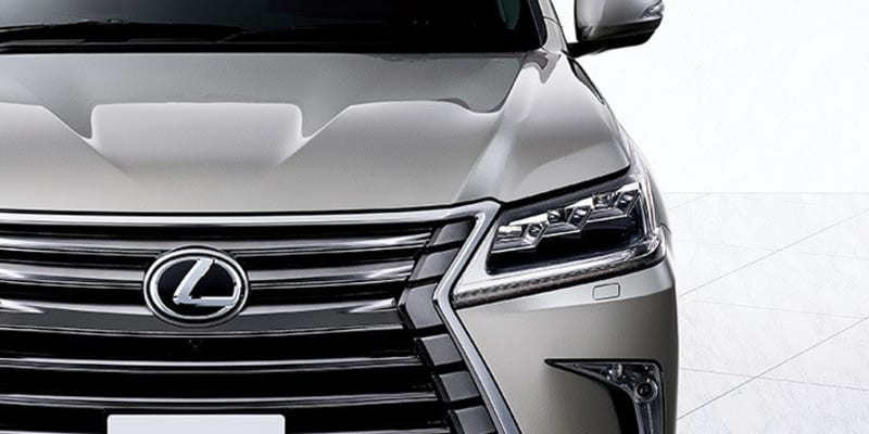 レクサス史上最大サイズのスピンドルグリルは迫力満点! 国産最高峰SUV レクサス LXを写真でチェック