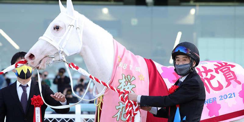 【桜花賞】純白のアイドルが魅せた1分31秒1のショータイム 〜なんてったって、アイドルホース〜