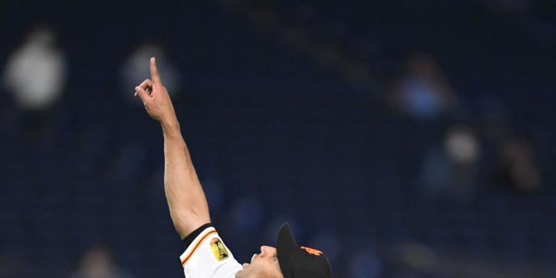 巨人・サンチェス、今季初勝利 7回1/3を無安打で