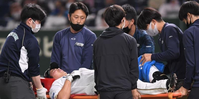死球受け担架で退場 日本ハム・樋口、楽天・松井の投球よけられず苦悶の表情