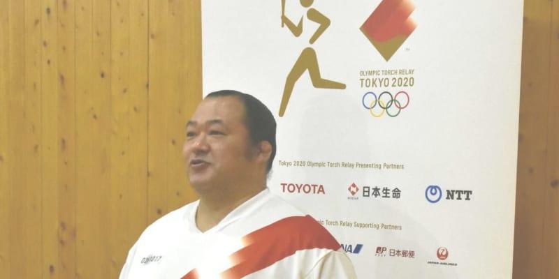 井筒親方が苦笑い「頑張りすぎて足がつりそうに」東京五輪聖火リレーに参加