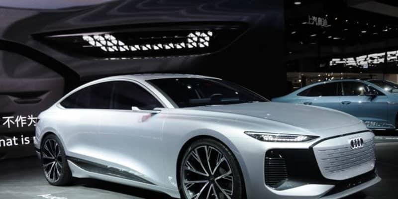アウディ A6 e-tron コンセプト、次世代ライトはゲームも可能…上海モーターショー2021