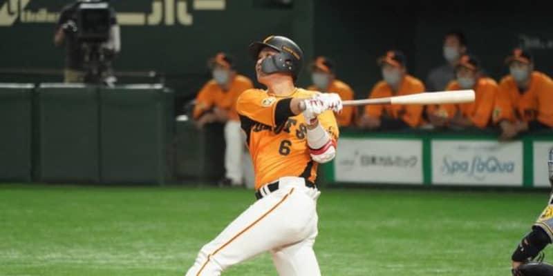 巨人が猛打爆発、坂本が特大3号&岡本和が2点二塁打 阪神秋山から2回までに6得点
