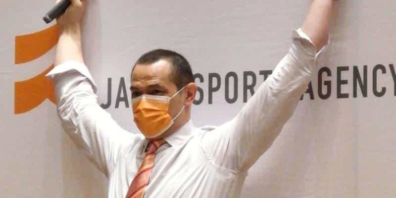 悪性脳リンパ腫で闘病報道の室伏広治長官「公務に支障がないようにさせていただく」