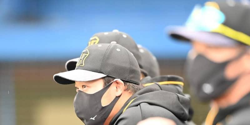 阪神・大山が登録抹消へ 矢野監督が明言「背中の張り」2打数無安打、悪送球で交代