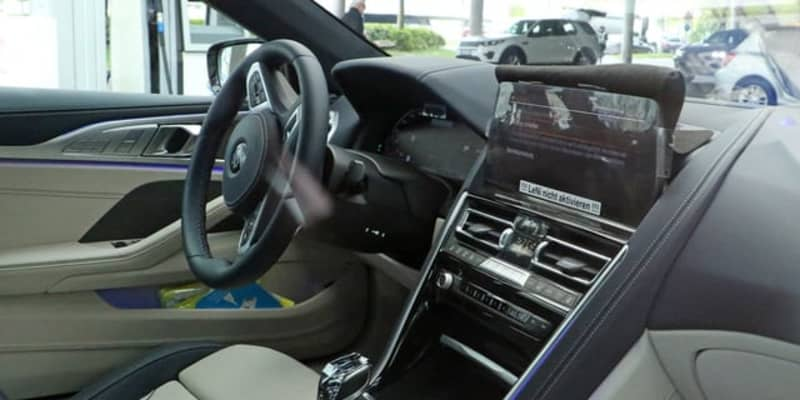 BMW 8シリーズ カブリオレ 改良新型、内外装を初スクープ!
