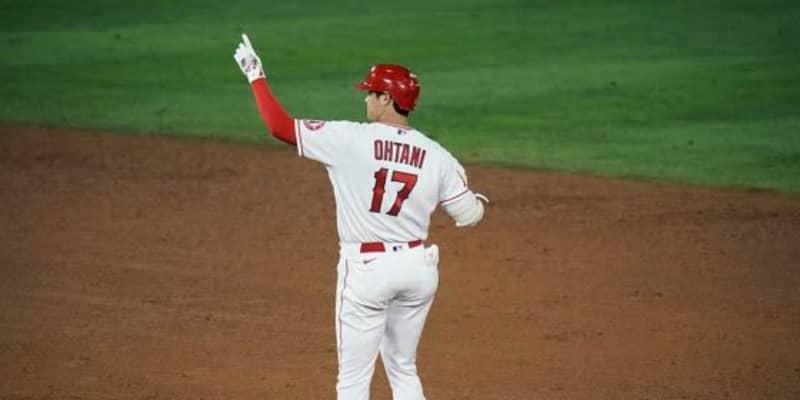 【MLB】「マジかよ」「片手ですよ!」大谷翔平、右手1本のフェン直二塁打に放送席も口あんぐり