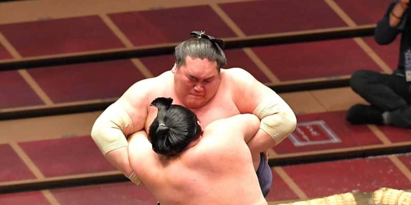 照ノ富士が1335日ぶり大関星 明生を体格とパワーで圧倒「全力出し切って頑張る」