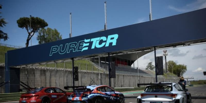 """ETCRのアルファロメオ陣営はルカ・フィリピ起用を発表。バレルンガでは""""模擬レース""""も実施"""