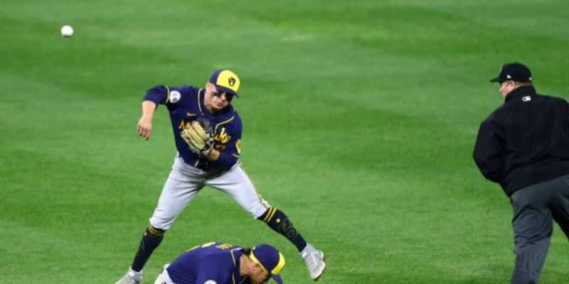 """【MLB】超絶ジャンプスローは「ジーターを彷彿」 2年連続GG賞男の""""化物級""""身体能力が凄い"""