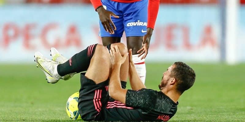 アザール、相手に怒る! レアル若手は足に25cmの裂傷負う