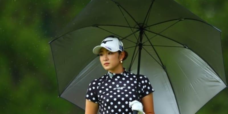 女子ゴルフ第2Rは荒天のため順延、36ホールに短縮 暫定首位に有村智恵、原英莉花ら4人
