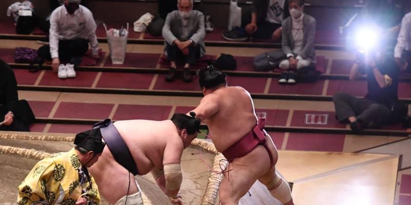 照ノ富士、危なげなく無傷の8連勝 貴景勝は1敗死守