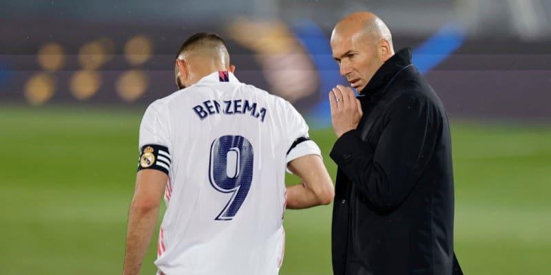 ジダン、選手への「退任報告」を否定も…レアルはアッレグリ監督と会談済み