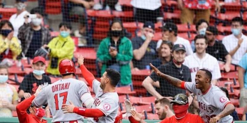 【MLB】大谷翔平、9回土壇場で逆転2ラン 指揮官もベンチも大興奮「火山のように爆発した」