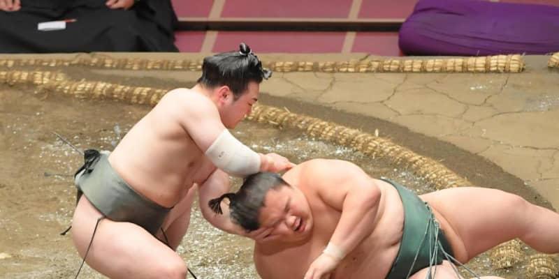 満身創痍の炎鵬、連敗3で止め2勝目「力の限り相撲取っています」