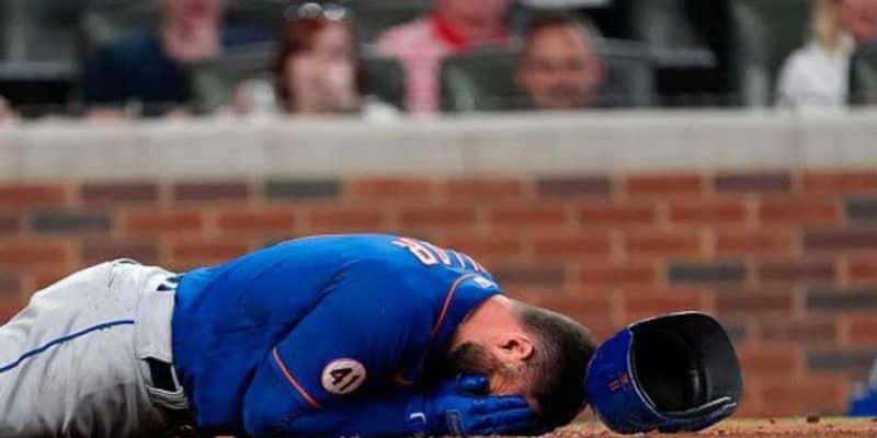 【MLB】「恐怖の瞬間」「悲惨な映像…」 151キロの顔面死球に球場&米メディア騒然