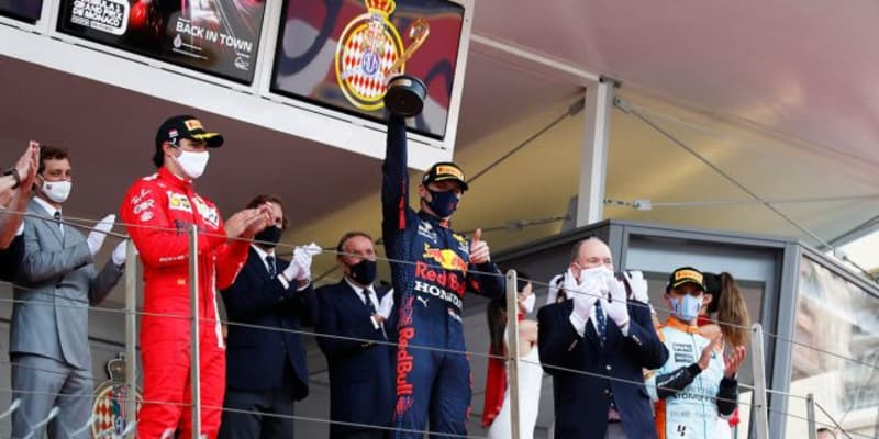 フェルスタッペンがモナコで初優勝、選手権首位に浮上。サインツ、ノリスが表彰台に【決勝レポート/F1第5戦】