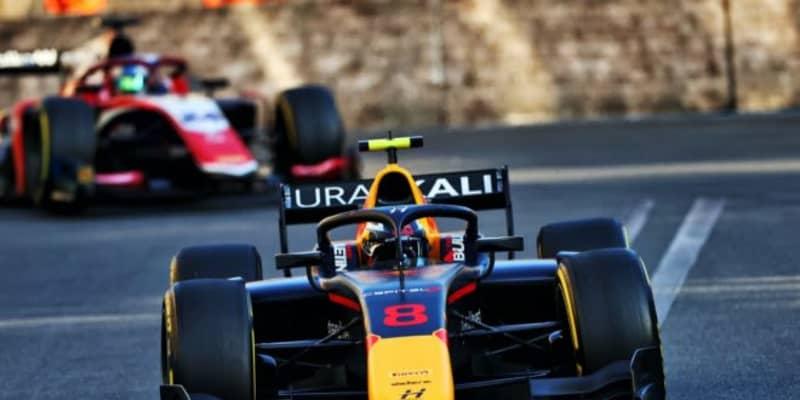レッドブル育成のビップスが2連勝。佐藤万璃音は15位完走【FIA-F2第3戦アゼルバイジャン レース3】