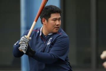 NPB史上18人達成の400本塁打 G阿部&西武中村は届くか