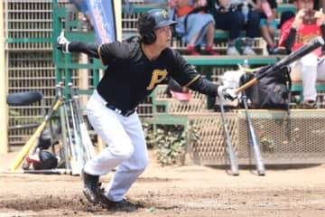 元巨人・桑田氏がランニング本塁打 自ら率いる軟式野球チームを勝利に牽引