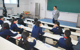 北海道栄高校を会場に開講した白老寺子屋