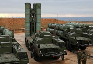 ロシアが実効支配するウクライナ南部クリミア半島セバストポリに配備されたロシア軍の最新鋭地対空ミサイルシステム「S400」=1月(タス=共同)